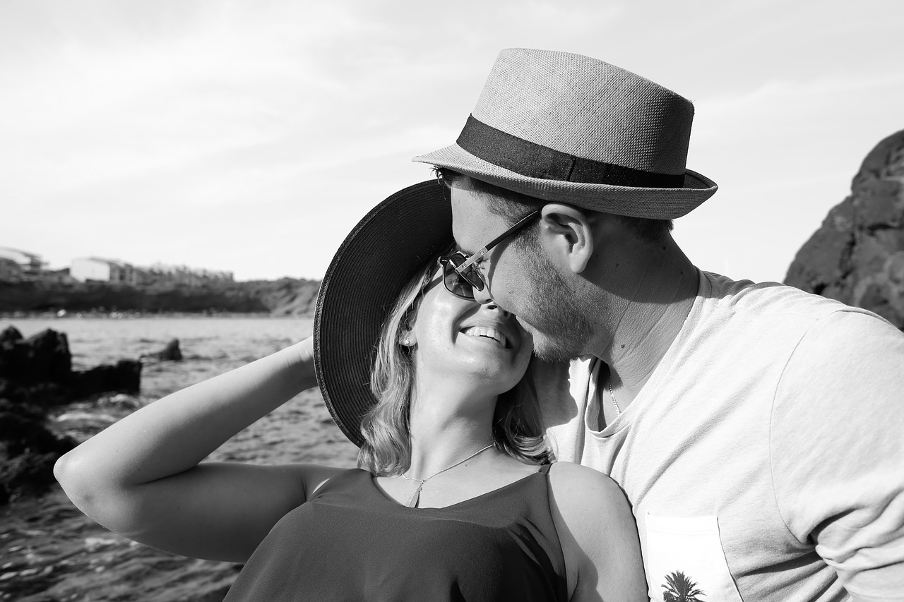 付き合いが長くなったパートナーが「何度も恋に落ちる」アドバイス