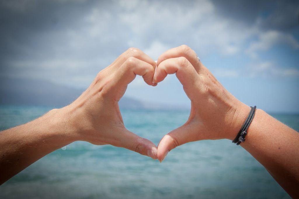 男と女が「恋に落ちる」時の違いとは?