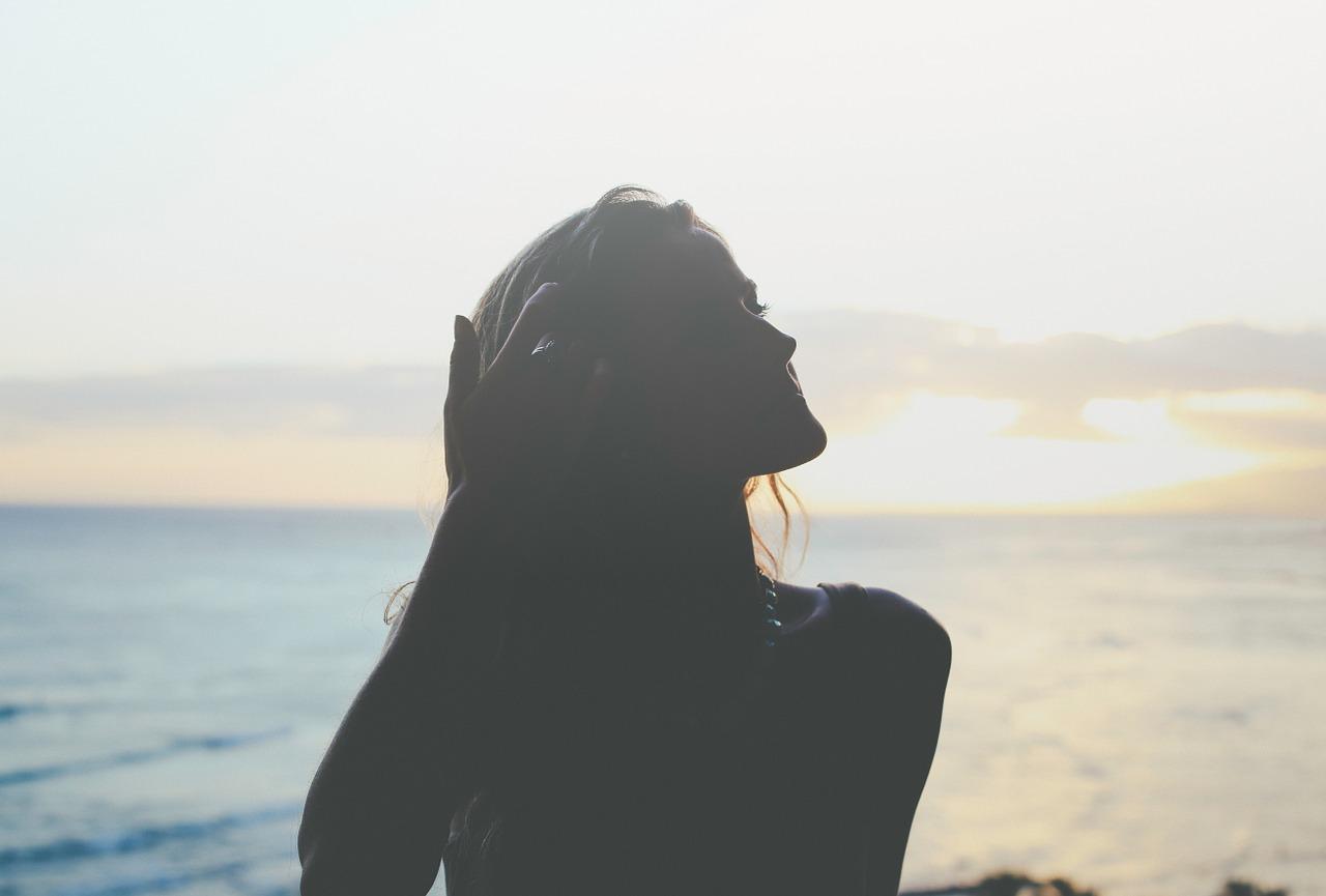 男性がセクシーだと感じる以外なしぐさ(13項目)